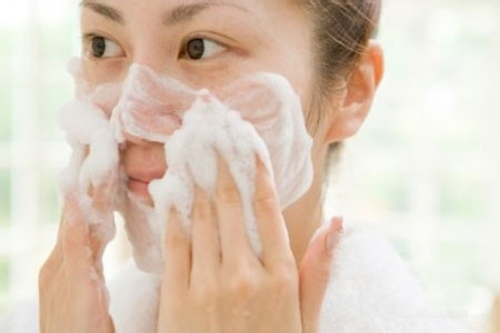 Calla-How To Clean The Skin Properly-1